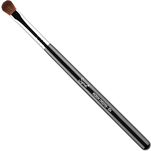 Sigma Beauty E54 Medium Sweeper Brush